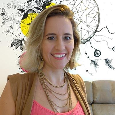 Bianca Artico - Coordenadora de Comunicação