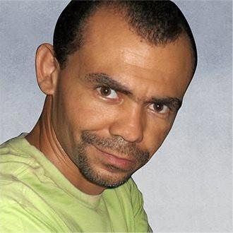 Elton Ribeiro - Designer